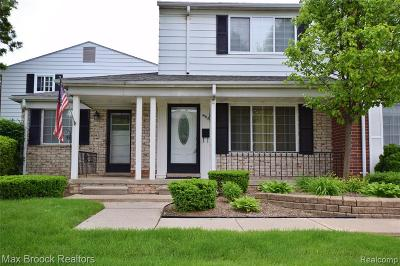 ROYAL OAK Condo/Townhouse For Sale: 4916 Mansfield Avenue