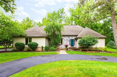 Grosse Ile Twp Single Family Home For Sale: 7607 Grays Drive