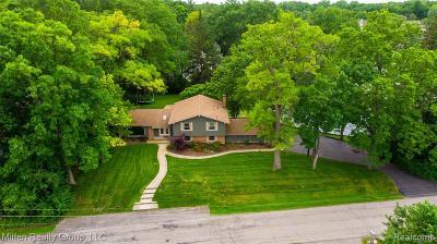 Single Family Home For Sale: 2011 Bayou Drive