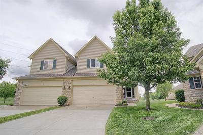 Huron Twp Condo/Townhouse For Sale: 25509 Wyngate Court
