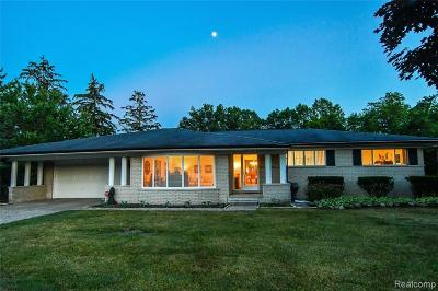 Single Family Home For Sale: 5425 Clarkston Road