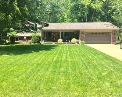 Grosse Ile Twp Single Family Home For Sale: 8132 Odonnell Drive