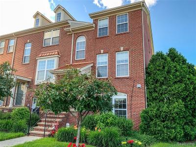 Southfield Condo/Townhouse For Sale: 25385 Saint James