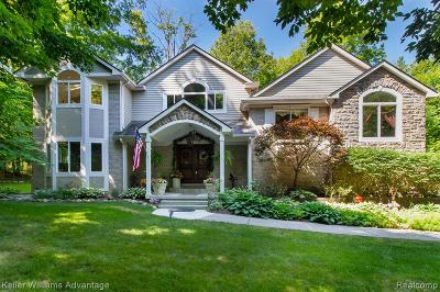 Farmington Hills Single Family Home For Sale: 33041 Biddestone Lane