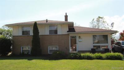 Allen Park, Lincoln Park, Southgate, Wyandotte, Taylor, Riverview, Brownstown Twp, Trenton, Woodhaven, Rockwood, Flat Rock, Grosse Ile Twp, Dearborn, Gibraltar Single Family Home For Sale: 31676 Sweetbriar