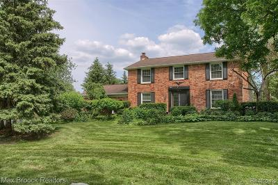 West Bloomfield Twp Single Family Home For Sale: 2637 Birch Harbor Lane