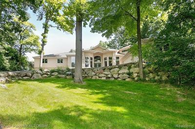 Bloomfield Twp MI Single Family Home For Sale: $900,000
