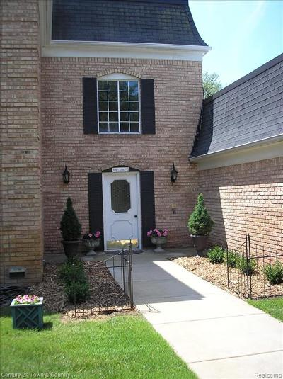 BLOOMFIELD Condo/Townhouse For Sale: 150 E Long Lake Road #2