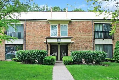 Livonia Condo/Townhouse For Sale: 18378 University Park Drive
