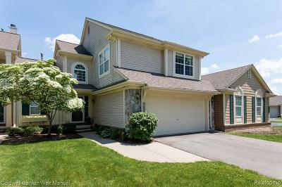 CANTON Condo/Townhouse For Sale: 1697 Thistle Drive