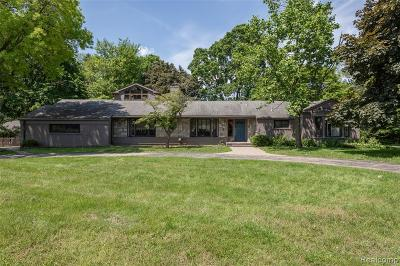Bloomfield Twp Single Family Home For Sale: 6730 Halyard Road