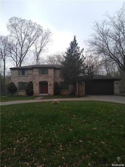 West Bloomfield Twp Single Family Home For Sale: 2430 Hiller Road