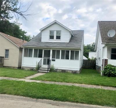 Hazel Park Single Family Home For Sale: 110 W Milton Avenue