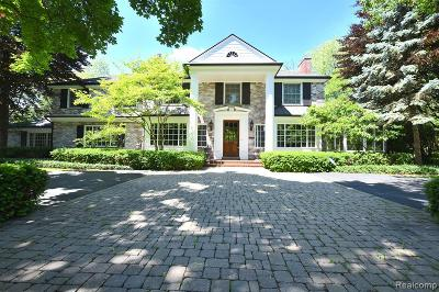 Bloomfield Twp Single Family Home For Sale: 1527 N Glengarry Road
