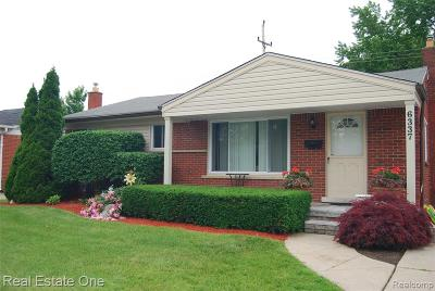 Dearborn Heights Single Family Home For Sale: 6337 Cambourne Road
