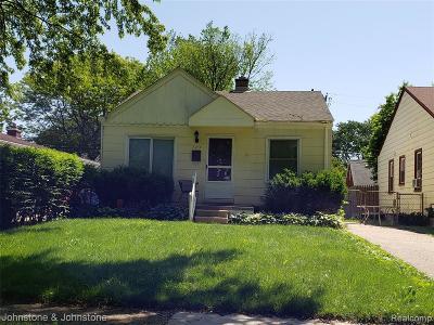 Dearborn Heights Single Family Home For Sale: 7764 Hazelton Street
