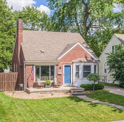 Ferndale,  Royal Oak,  Berkley,  Clawson, Huntington Woods, Pleasane Ridge, Madison Heights Single Family Home For Sale: 222 N Rembrandt Avenue