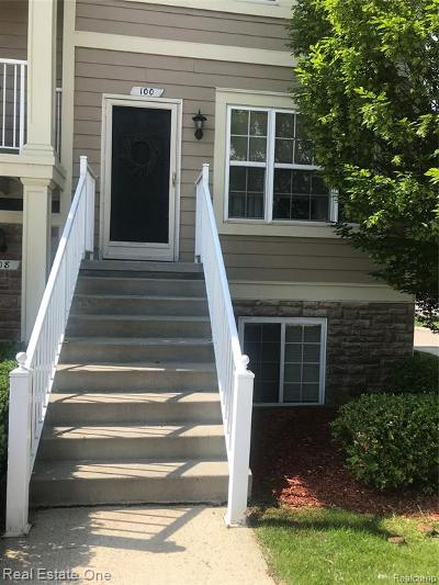 Lake Orion Condo/Townhouse For Sale: 100 Evergreen Trail