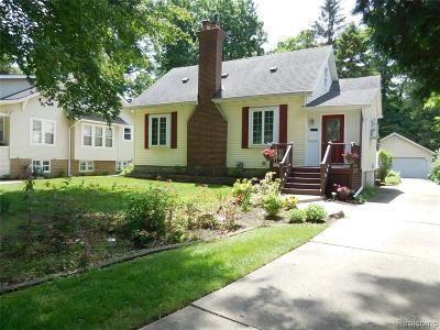 Royal Oak Single Family Home For Sale: 214 Woodside Road
