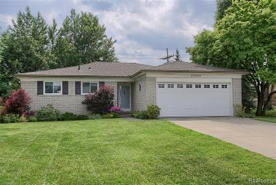 Single Family Home For Sale: 33269 Clifton Drive
