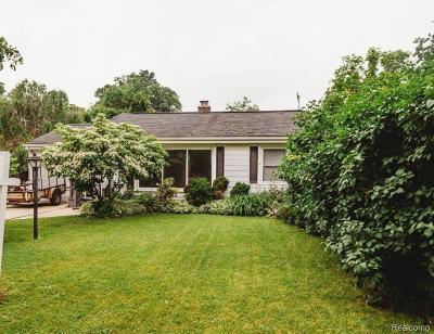 Single Family Home For Sale: 715 N Washington Street