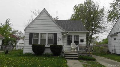 Oakland County Single Family Home For Sale: 583 E Kennett Road