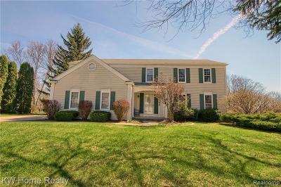 Farmington, Farmington Hills Single Family Home For Sale: 37847 W Greenwood