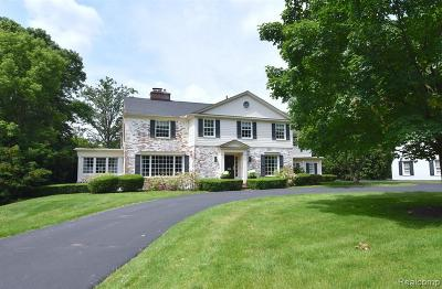 Bloomfield Twp Single Family Home For Sale: 893 W Glengarry Circle