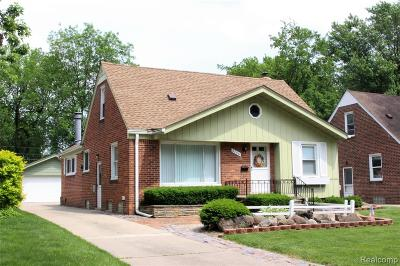 Royal Oak Single Family Home For Sale: 2706 N Vermont Avenue