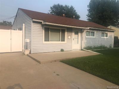St. Clair Shores, Harrison Twp, Roseville, Clinton Twp Single Family Home For Sale: 26656 Dale Street