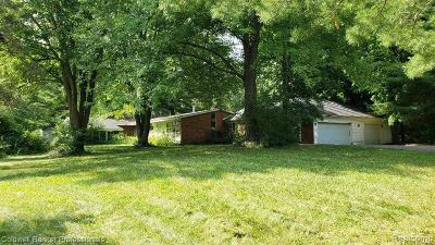 Oakland Twp Single Family Home For Sale: 1765 E Predmore Road