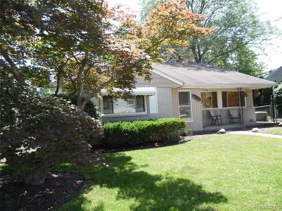 Livonia Single Family Home For Sale: 31505 Hees Street