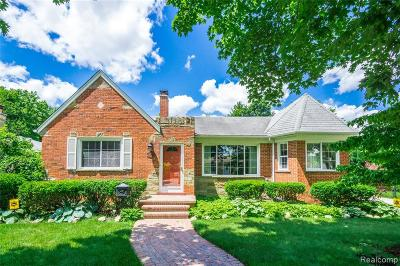 Dearborn Heights Single Family Home For Sale: 6755 Dacosta Street