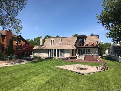 St Clair Shores, Roseville, Harrison Twp, Fraser Single Family Home For Sale: 29528 Old North River Rd