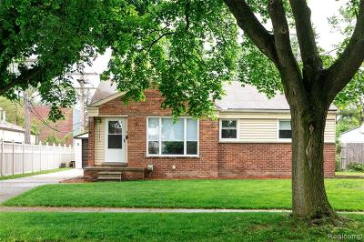 Livonia Single Family Home For Sale: 29441 Robert Drive