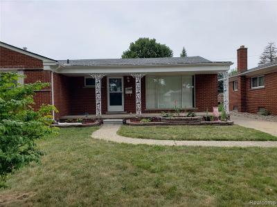 St Clair Shores, Roseville, Harrison Twp, Warren, Clinton Twp Single Family Home For Sale: 27203 Lorraine Avenue