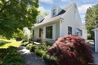 Ferndale,  Royal Oak,  Berkley,  Clawson, Huntington Woods, Pleasane Ridge, Madison Heights Single Family Home For Sale: 1433 Royal Avenue