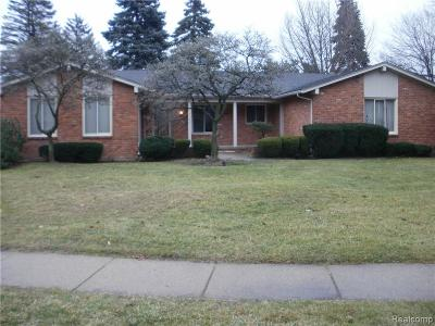 Livonia, Redford Twp, Farmington Hills, Farmington, Southfield Single Family Home For Sale: 17202 Vacri Lane
