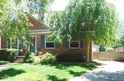 Ferndale,  Royal Oak,  Berkley,  Clawson, Huntington Woods, Pleasane Ridge, Madison Heights Single Family Home For Sale: 4710 Groveland Avenue