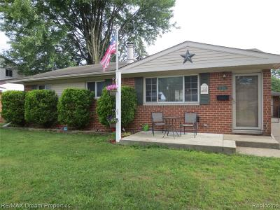 Plymouth Twp, Canton Twp, Livonia, Garden City, Westland Single Family Home For Sale: 35755 Fernwood Street