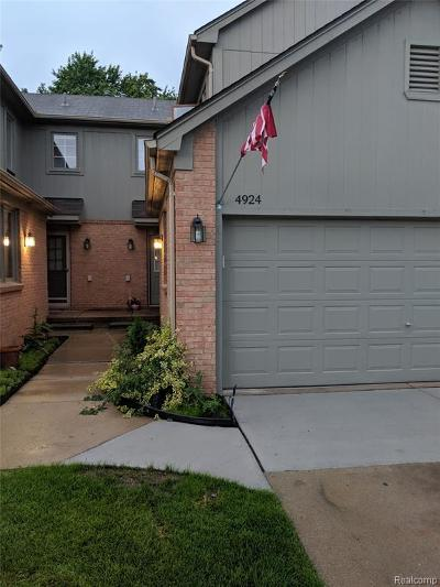 Shelby Twp Condo/Townhouse For Sale: 4924 Royal Cove Drive