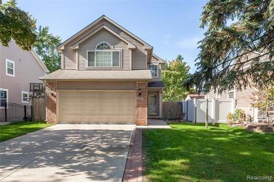 Berkley Single Family Home For Sale: 3299 Buckingham Avenue