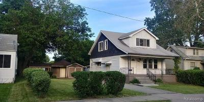 Warren Single Family Home For Sale: 21300 Helle Avenue