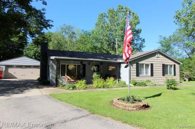 Oakland County Single Family Home For Sale: 11089 Bigelow Road