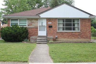 Livonia Single Family Home For Sale: 28500 Cleveland Street