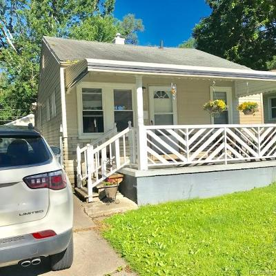 Oakland County Single Family Home For Sale: 2129 Symes St Street