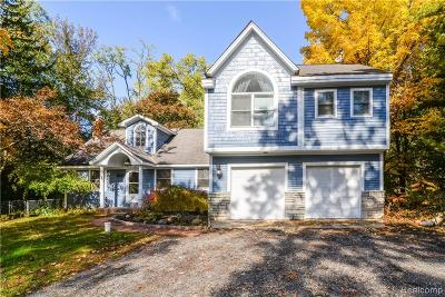 Oakland County Single Family Home For Sale: 7600 Crestmore Street