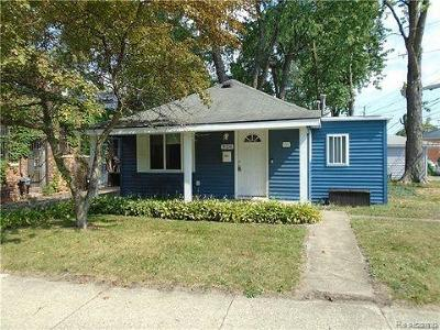 Ferndale MI Single Family Home For Sale: $149,999