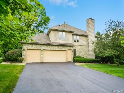 West Bloomfield Twp Single Family Home For Sale: 6220 Wildwood Lane