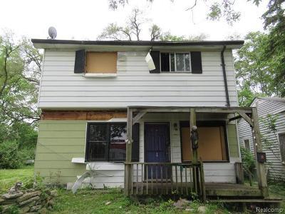 Detroit Single Family Home For Sale: 12715 Blackstone Street